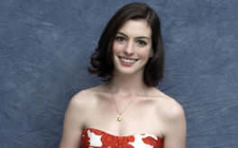 Free Anne Hathaway Picture