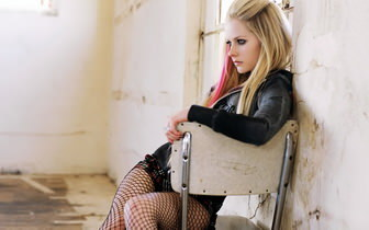 Avril Lavigne In Fishnets