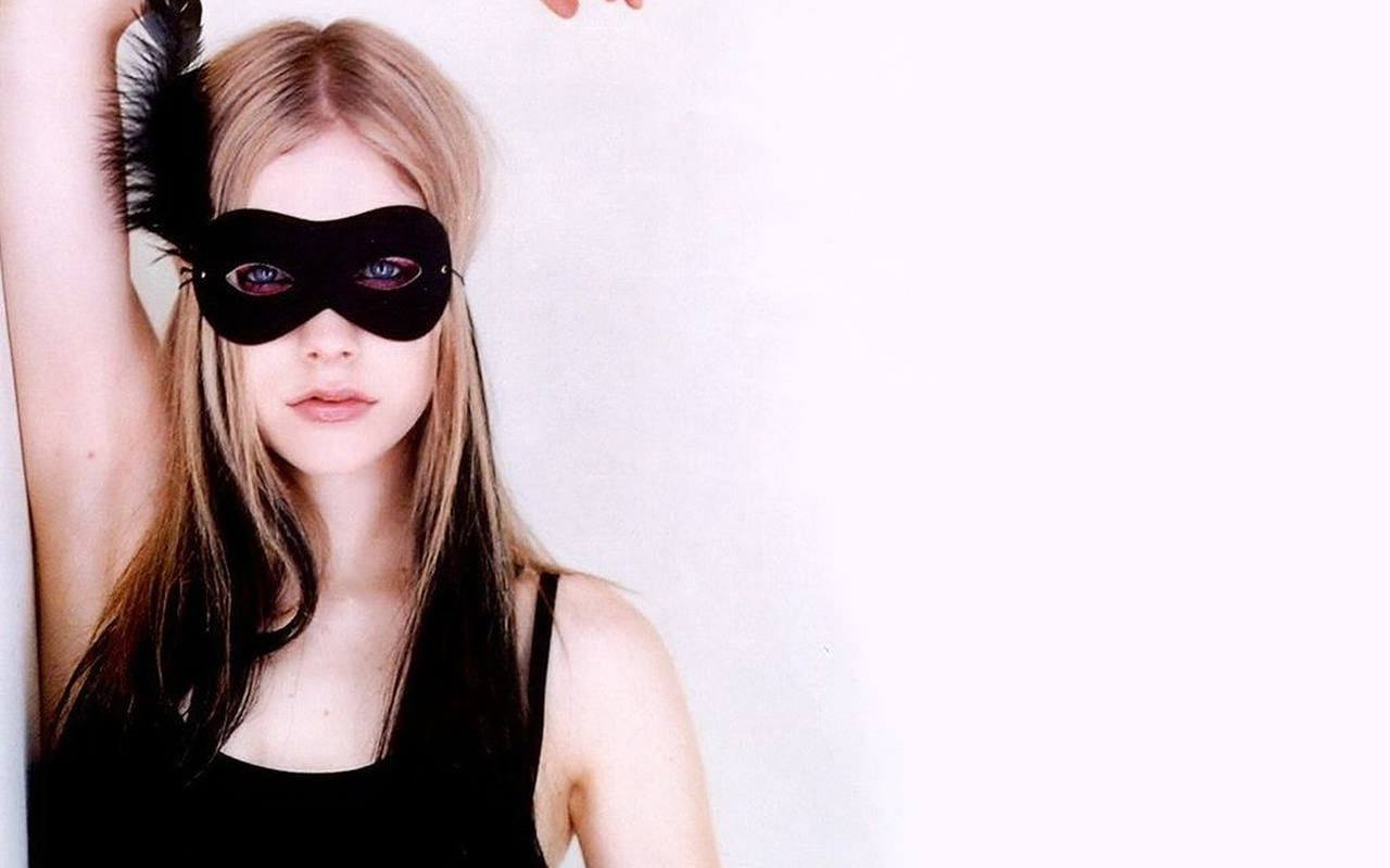 Avril Lavinge Desktop Background 1280x800